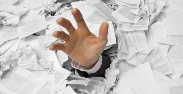 """Burocracia Tributária """"Mata"""" as Empresas"""